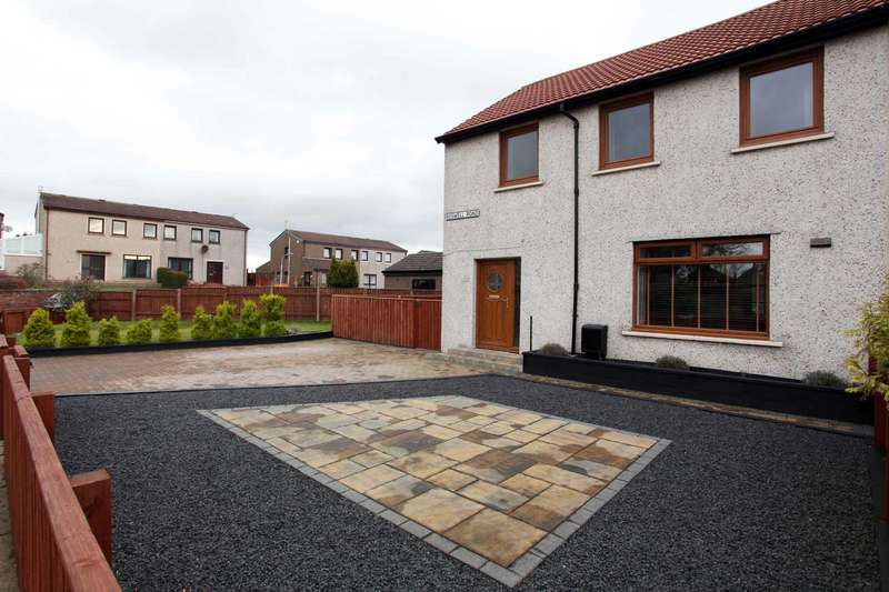 3 Bedrooms Semi Detached House for sale in Boswell Road, Lochgelly, Fife, KY5 9DS