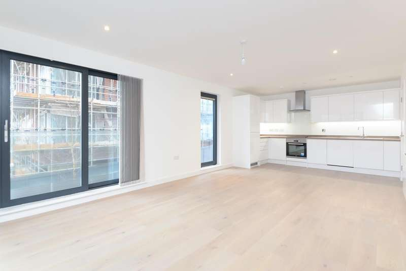2 Bedrooms Apartment Flat for sale in Kenmore Place, Riverside Park, Ashford, TN23