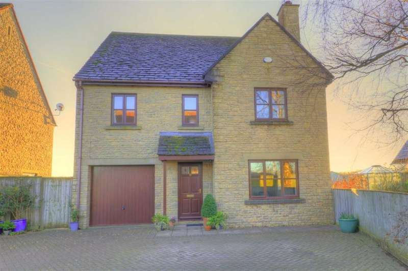 4 Bedrooms Detached House for sale in 11, Barton Way, Corston, Malmesbury, Wiltshire