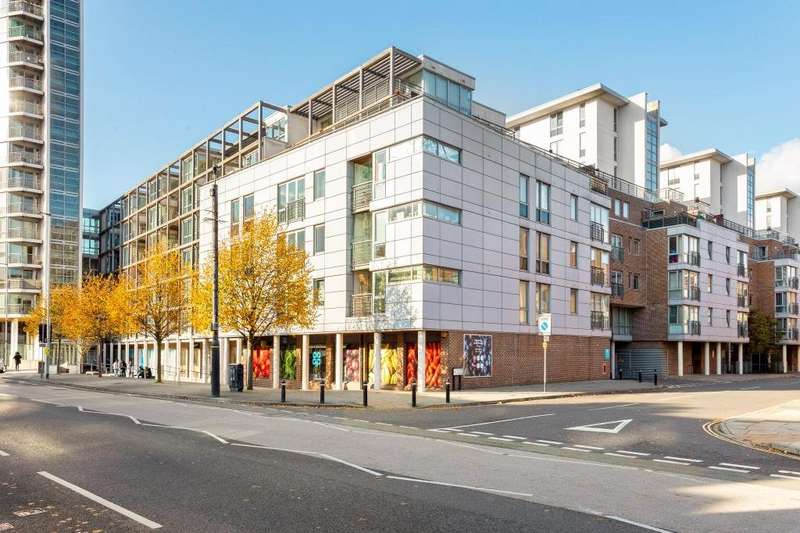 2 Bedrooms Apartment Flat for sale in Unicorn House, Cross Street, Portsmouth, Hampshire, PO1