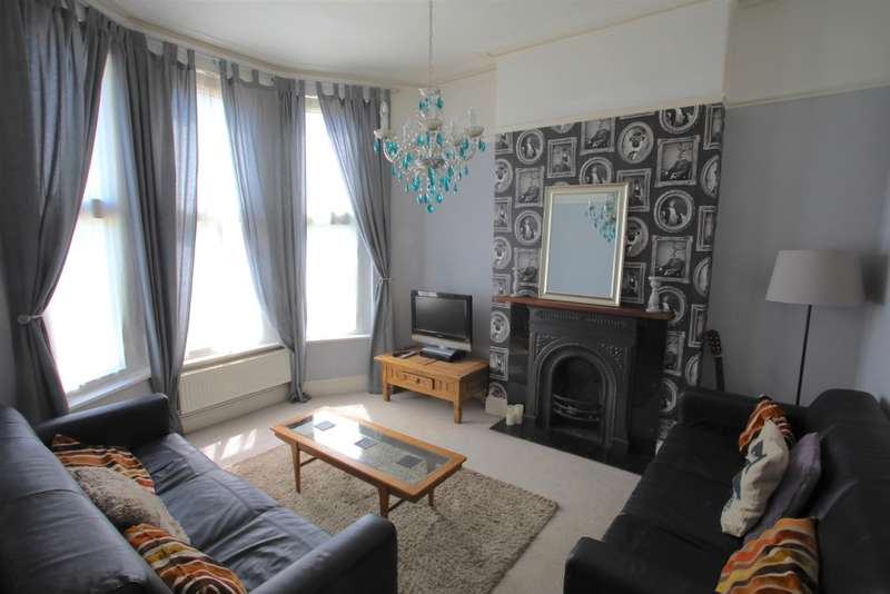 6 Bedrooms House for rent in Downend Road, Fishponds, BS16