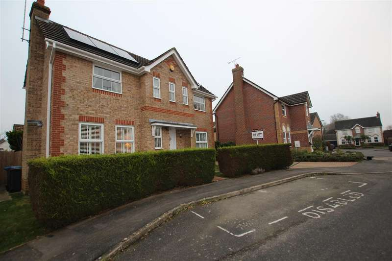 3 Bedrooms Detached House for rent in Valentine Drive, Burgess Hill