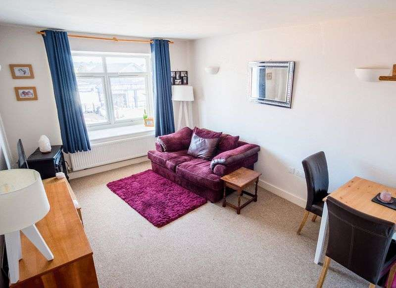 1 Bedroom Property for sale in Wimborne Road, Bournemouth, BH10