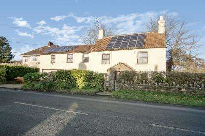 4 Bedrooms Detached House for sale in Main Road, Shortwood, Mangotsfield, Bristol
