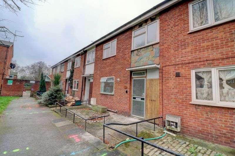 4 Bedrooms Property for sale in Birchmore Walk, London N5