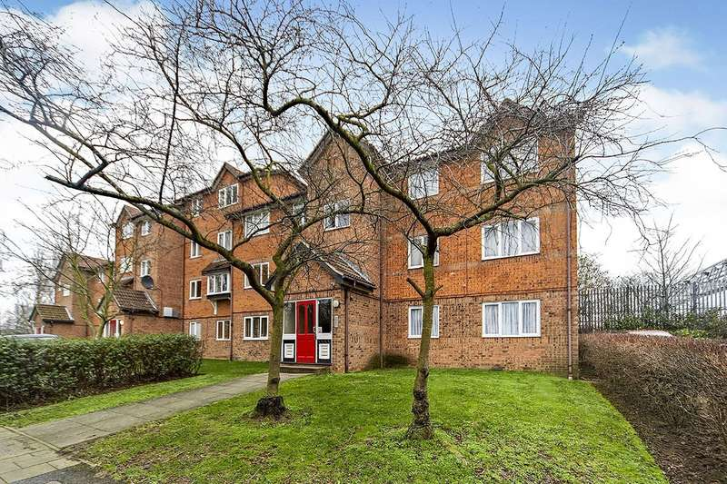 2 Bedrooms Apartment Flat for sale in Keswick Court, Cumberland Place, London, SE6