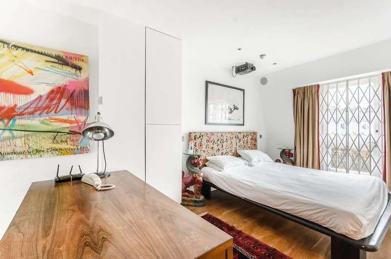 1 Bedroom Flat for sale in Shorts Gardens, Covent Garden, WC2H