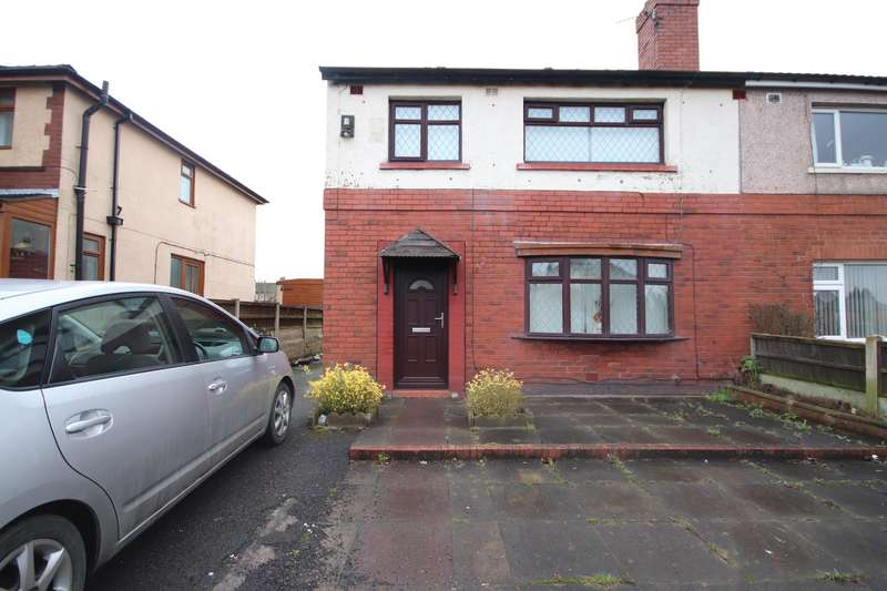 3 Bedrooms Semi Detached House for sale in Wigan Road, Leigh, WN7 5HD