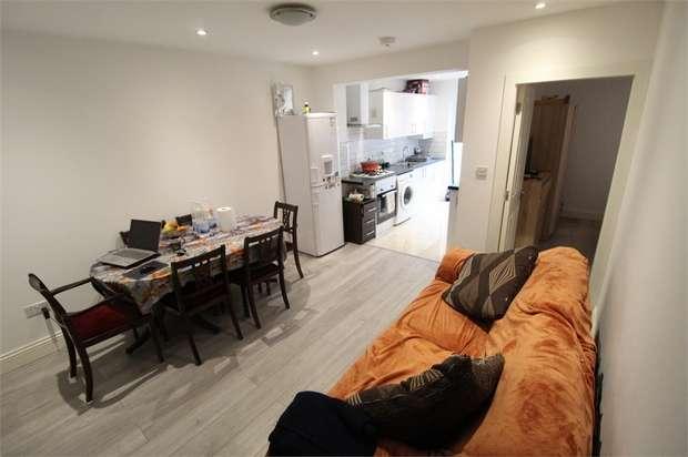 2 Bedrooms Maisonette Flat for sale in Gilbert Grove, Edgware, Middlesex