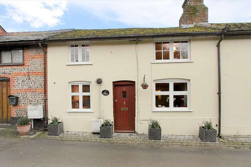 3 Bedrooms Terraced House for sale in Waltham Road, Overton