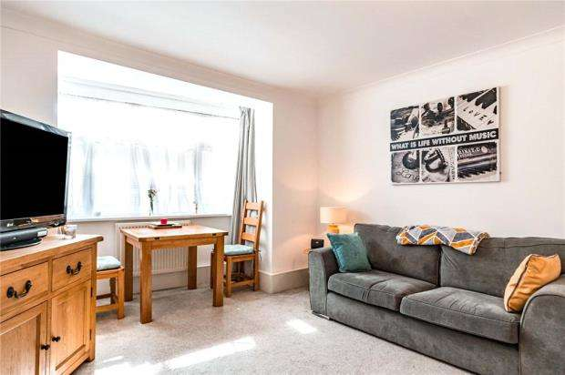 2 Bedrooms Apartment Flat for sale in Amersham Court, 25 Craneswater Park, Southsea