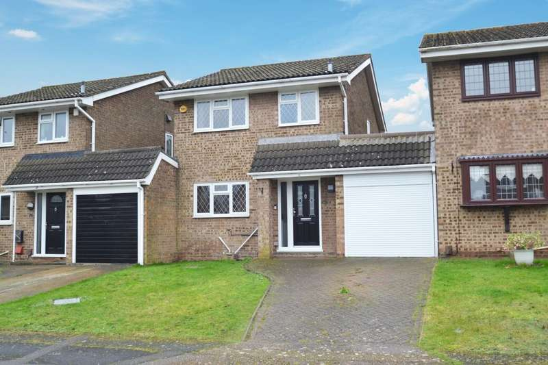 3 Bedrooms Detached House for sale in Aintree Road, Lordswood, Chatham, ME5