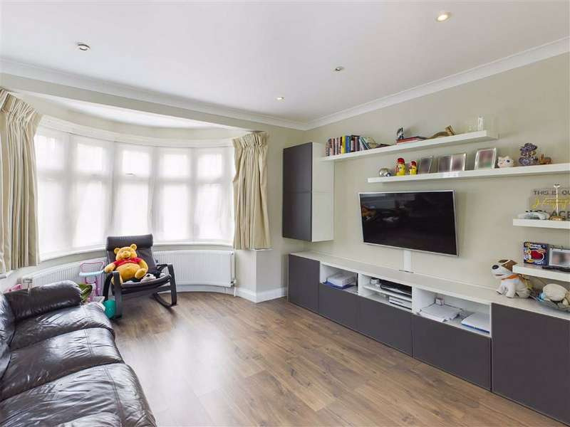 4 Bedrooms Semi Detached House for sale in Holders Hill Avenue, Hendon, London