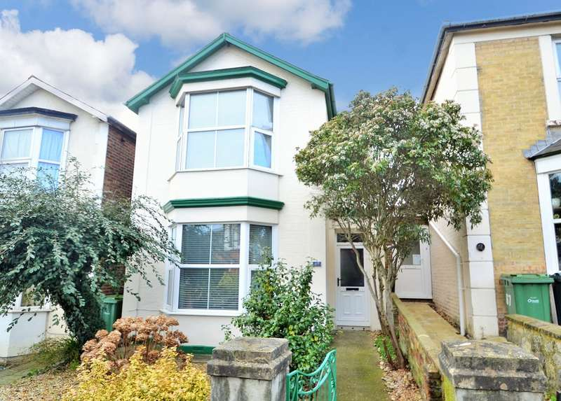 3 Bedrooms Detached House for sale in St. Johns Road, Ryde