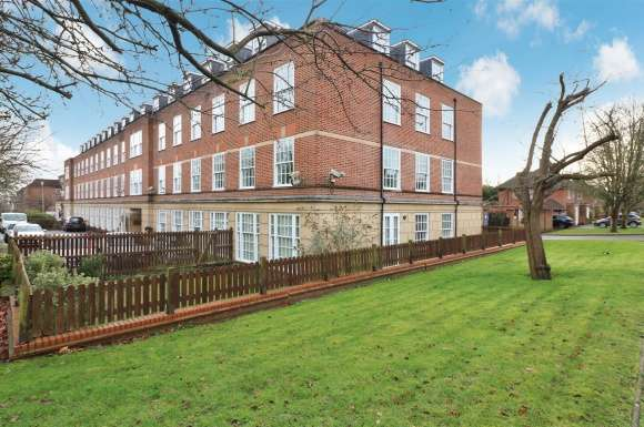 1 Bedroom Property for sale in Parkway, Welwyn Garden City