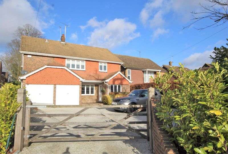 4 Bedrooms Property for sale in Priests Lane, Shenfield, Brentwood