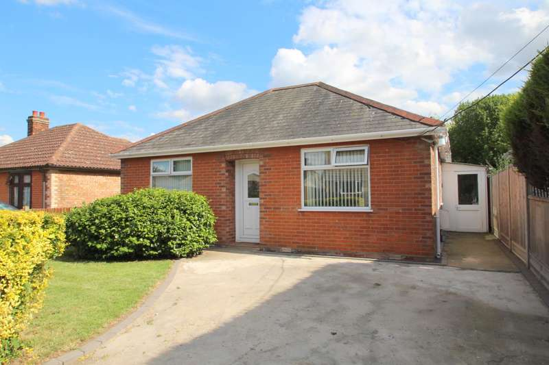 2 Bedrooms Detached Bungalow for sale in DUNTHORNE ROAD, COLCHESTER