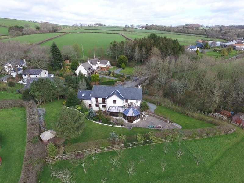 5 Bedrooms House for sale in Yeolmbridge, Launceston, Cornwall, PL15
