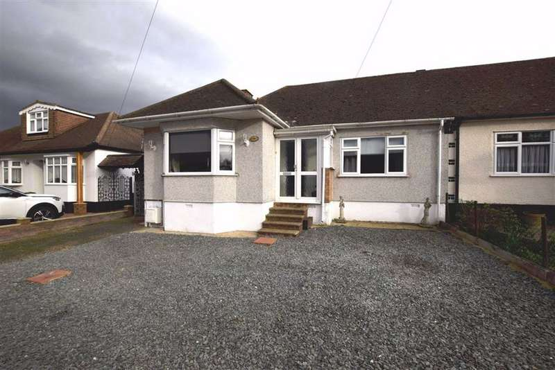 3 Bedrooms Semi Detached Bungalow for sale in Ilfracombe Avenue, Basildon, Essex