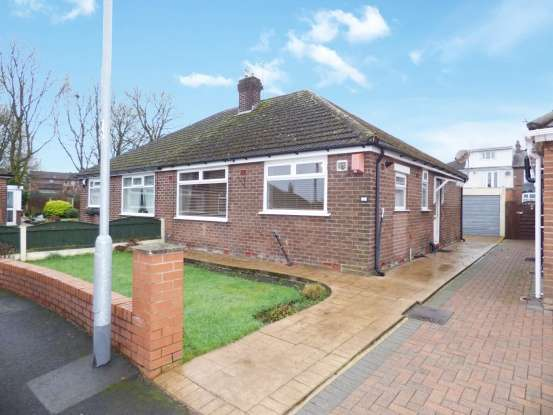 Semi Detached Bungalow for sale in Teasdale Close, Oldham, Greater Manchester, OL9 8AS