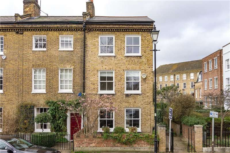 3 Bedrooms House for sale in Cleaver Square, Kennington, London, SE11