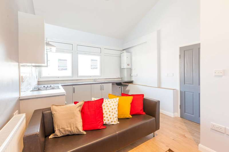 2 Bedrooms Flat for sale in Abbots Park, Tulse Hill, SW2