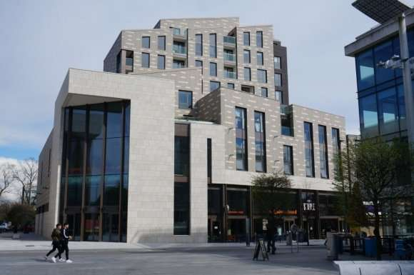 2 Bedrooms Flat for sale in Park Walk, Southampton, SO14