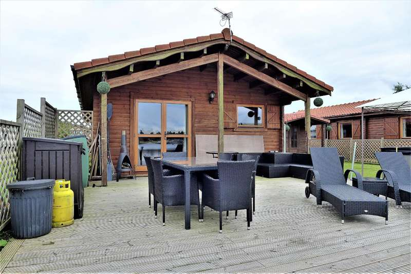 3 Bedrooms Park Home Mobile Home for sale in The Ramparts, Tattershall Lakes, Tattershall, LN4 4LR