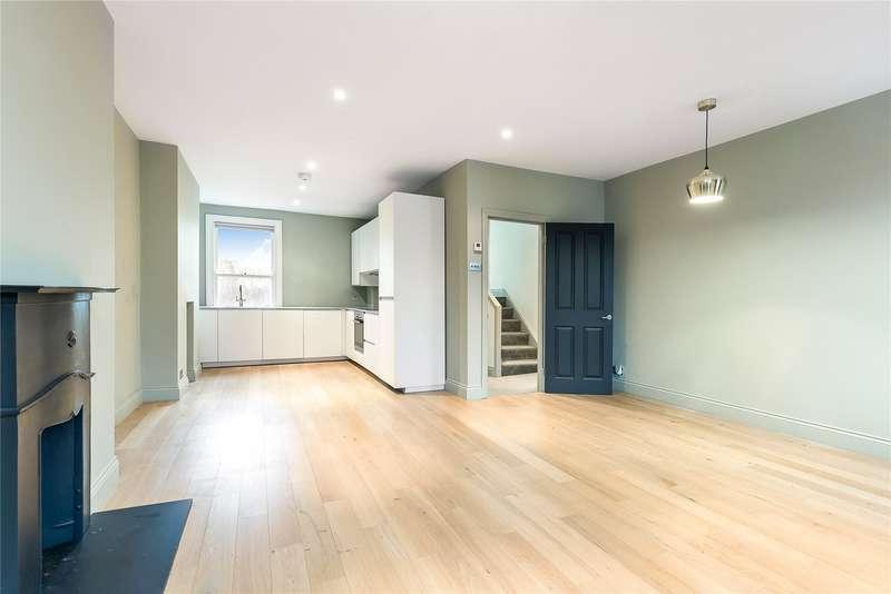 2 Bedrooms Flat for sale in Strathblaine Road, Battersea, London, SW11