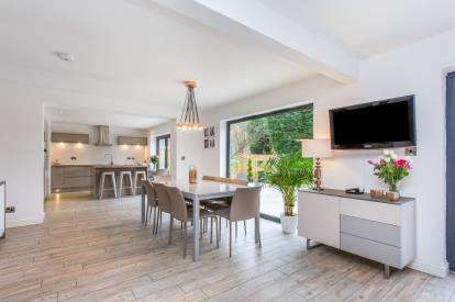 5 Bedrooms Detached House for sale in Bramall Close, Sandbach, Cheshire, Sandbach