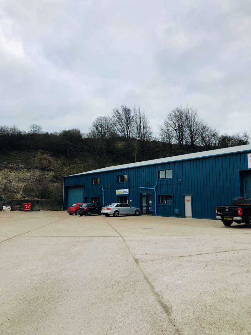 Commercial Property for rent in Hollow Wood Road, Dover