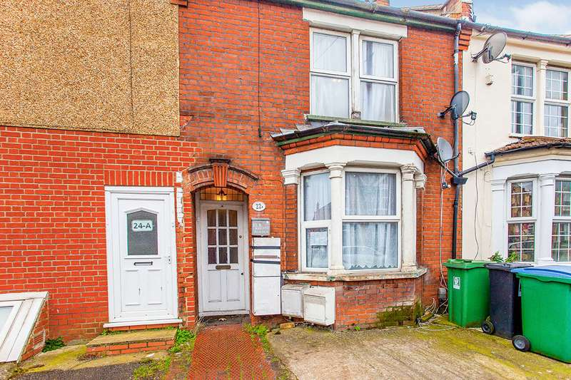 2 Bedrooms Maisonette Flat for sale in Queens Avenue, Watford, Hertfordshire, WD18