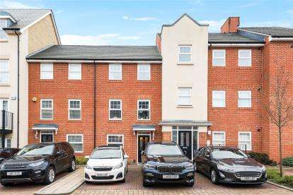 4 Bedrooms Terraced House for sale in Sullivan Row, Bromley