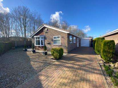 2 Bedrooms Bungalow for sale in Lytham Close, Washingborough, Lincoln, Lincolnshire