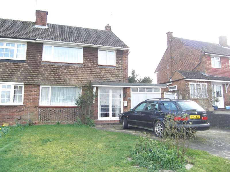 3 Bedrooms Semi Detached House for sale in Cornfield Road, Bushey