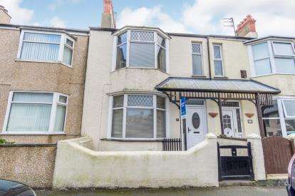 4 Bedrooms Terraced House for sale in Bryn Goleu Avenue, Holyhead, Sir Ynys Mon, LL65
