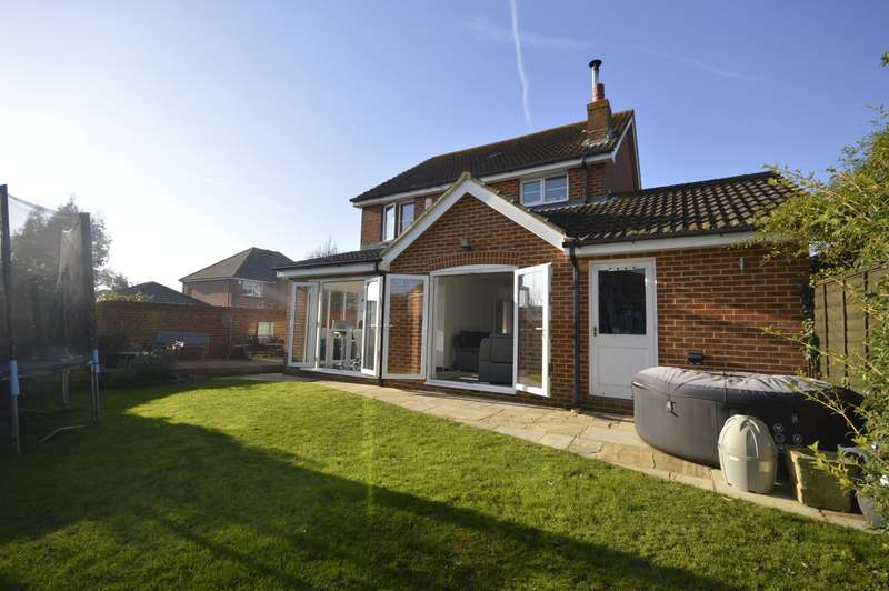 4 Bedrooms Detached House for sale in Gypsy Way, High Halstow, Rochester, Kent, ME3