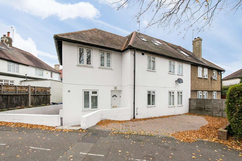 7 Bedrooms Semi Detached House for sale in Long Drive, London