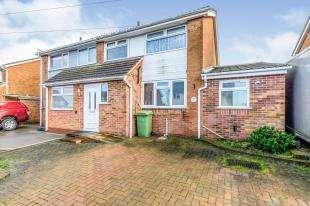 4 Bedrooms Semi Detached House for sale in Bradfield Avenue, Teynham, Sittingbourne, Kent