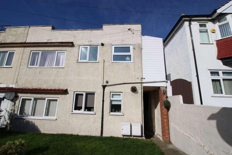 2 Bedrooms Maisonette Flat for sale in St. Marks Avenue, Northfleet, Gravesend, Kent, DA11