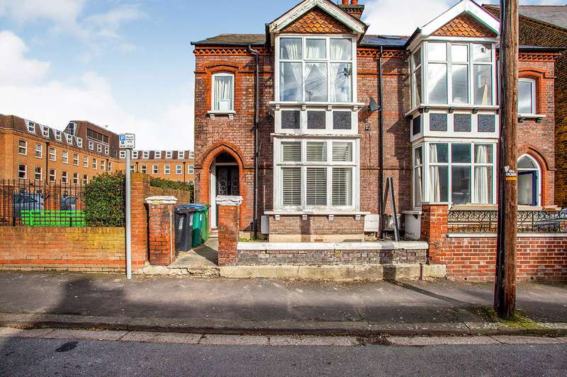 1 Bedroom Apartment Flat for sale in Canterbury Road, Watford, Hertfordshire, WD17