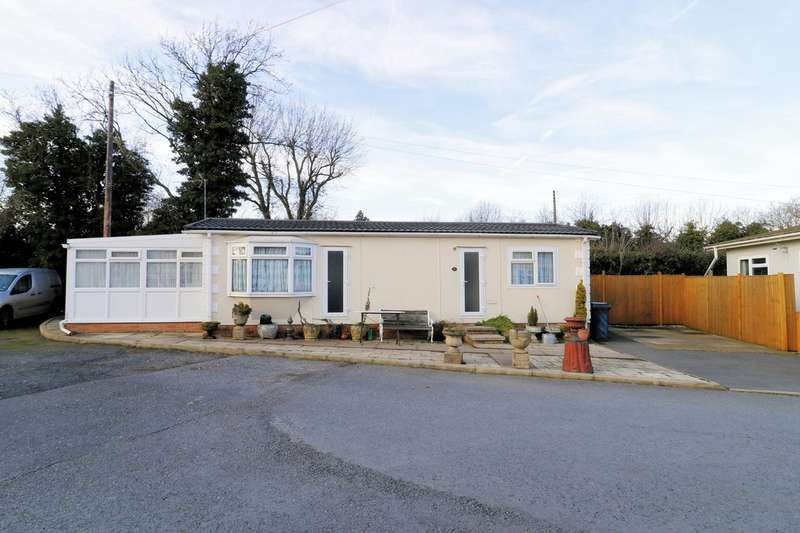 1 Bedroom Park Home Mobile Home for sale in Moorlands Park, Old Ashby Road, Sinope