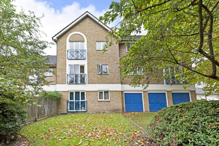 Studio Flat for sale in Water Lane New Cross SE14
