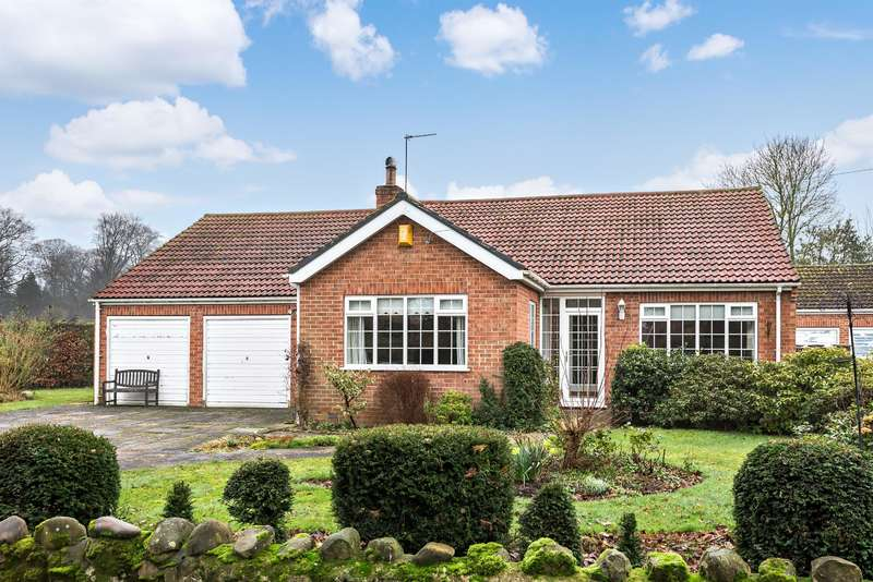 3 Bedrooms Bungalow for sale in New Road, Sharow, Ripon, HG4 5BS