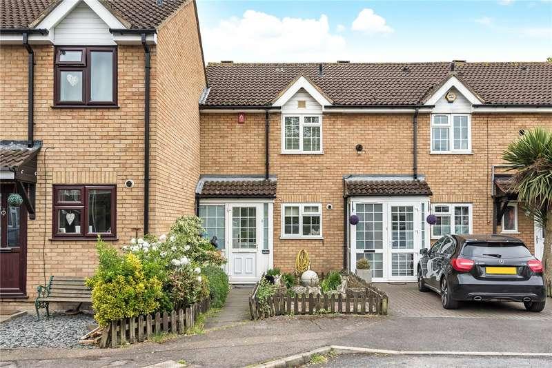 3 Bedrooms Terraced House for sale in Beeston Drive, Cheshunt, Waltham Cross, Hertfordshire, EN8