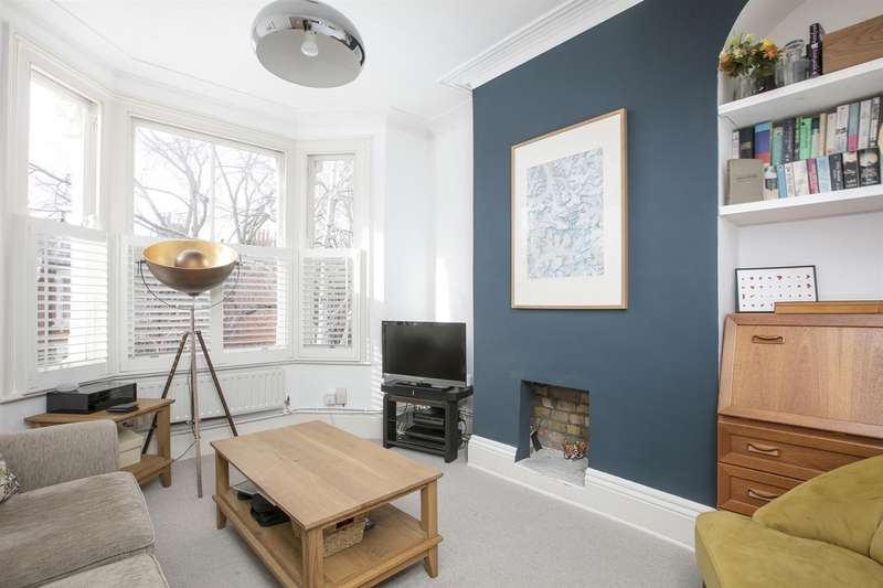 2 Bedrooms Maisonette Flat for sale in Oxenford Street, Peckham, SE15