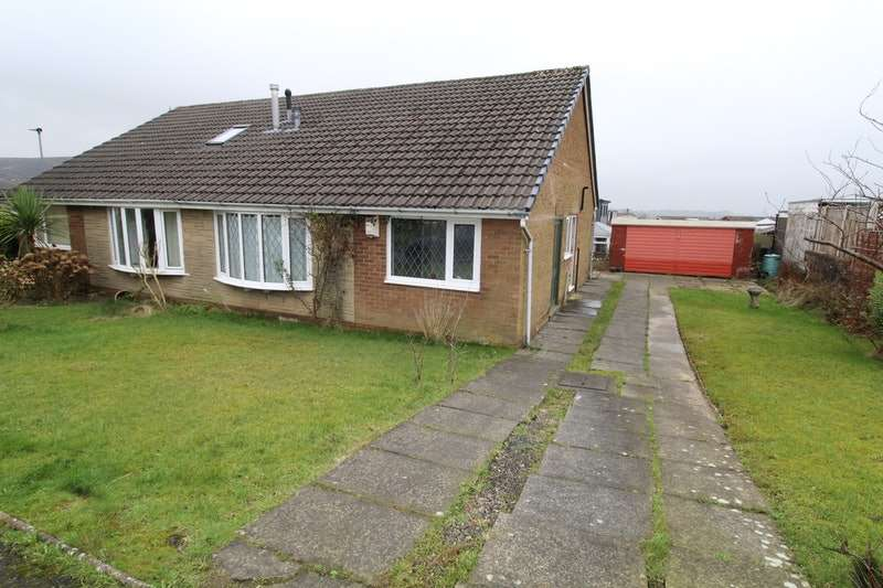 3 Bedrooms Bungalow for sale in Chapter Road, Darwen, Lancashire, BB3