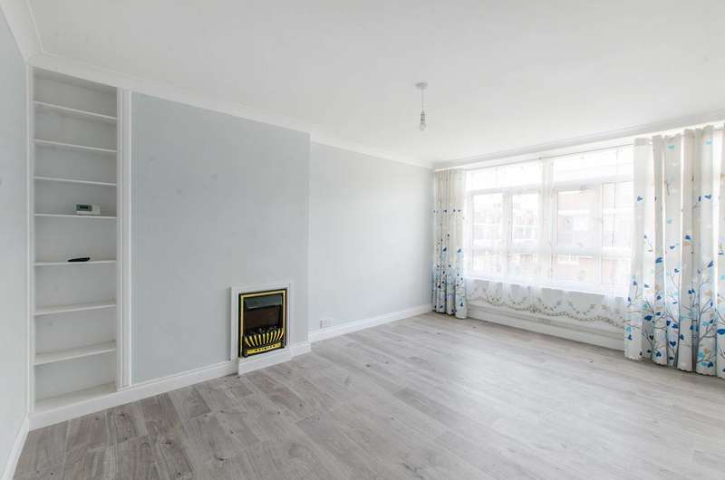 4 Bedrooms Flat for rent in Friary Road, Peckham, SE15