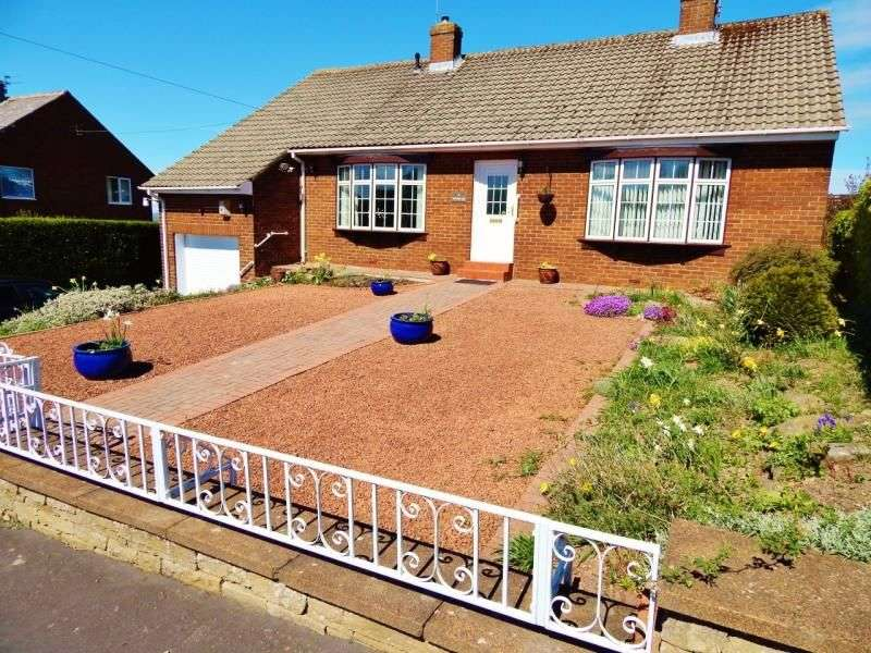 3 Bedrooms Detached Bungalow for sale in Watergate Road, Castleside, Consett, DH8