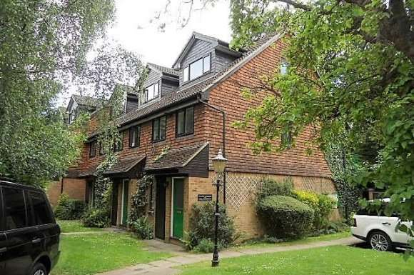 1 Bedroom Property for sale in Coniston Lodge, Nascot, Watford, WD17